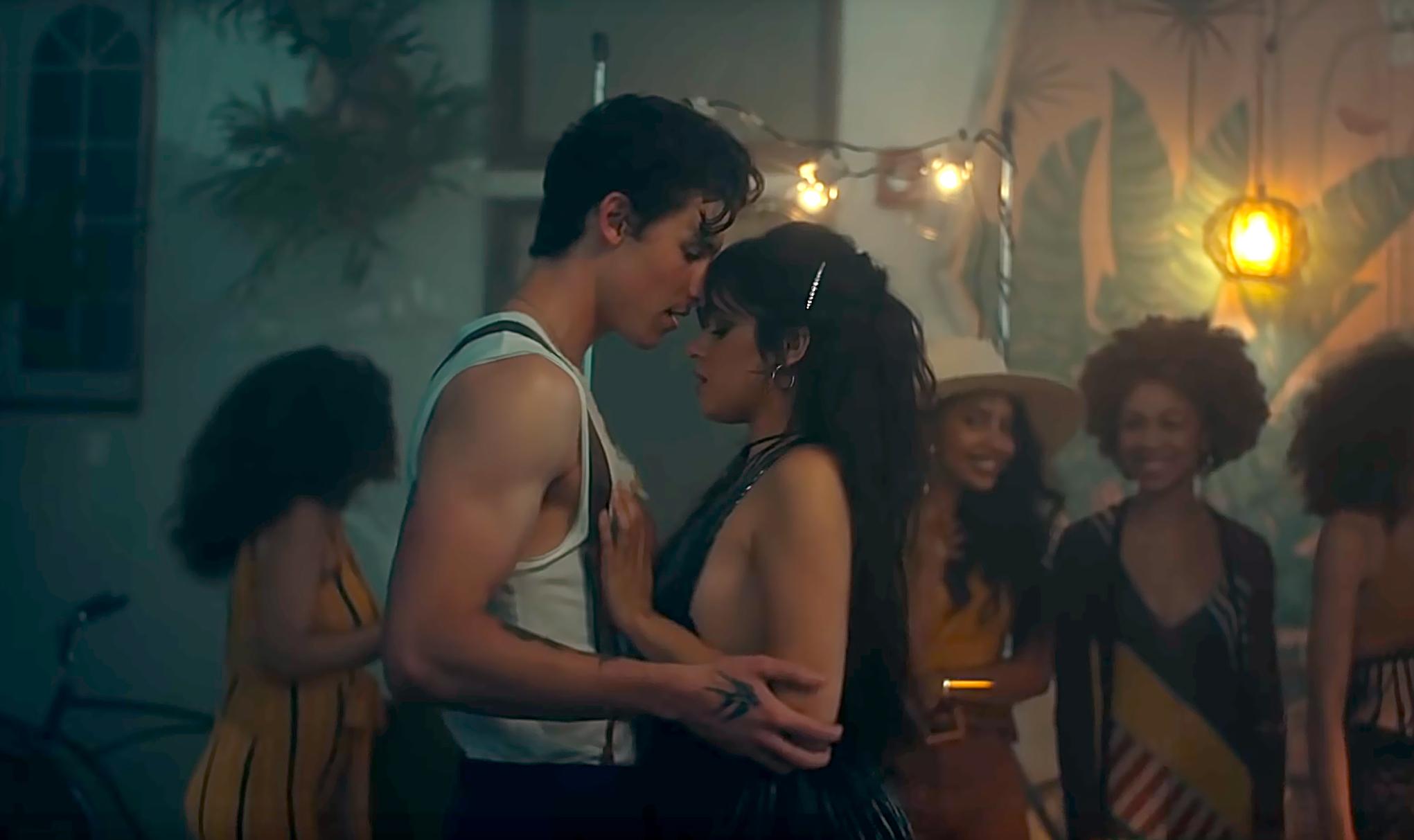 Shawn-Mendes-and-Camila-Cabello-Senorita.jpg